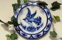 Gzhel porcelain: 20 shades of blue