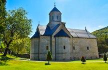 Monasterio de Moštanica, un convento nueve veces resucitado